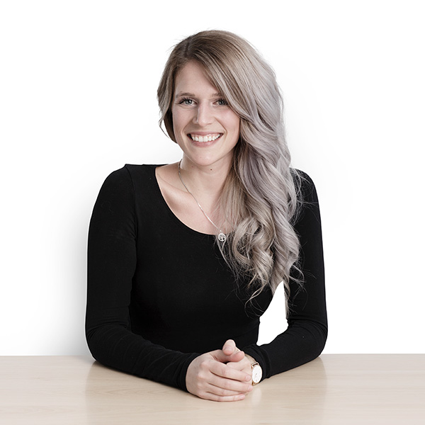 Portrait Aileen Pfefferle - SEO Expertin