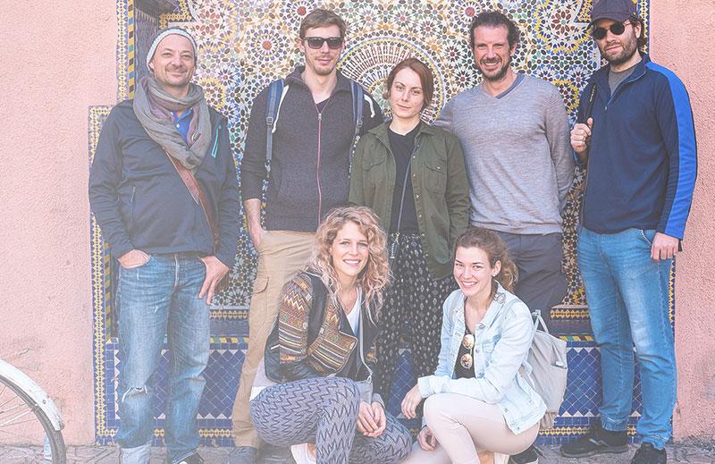 Waldhirsch Teamfoto auf Betriebsausflug in Marrakesch